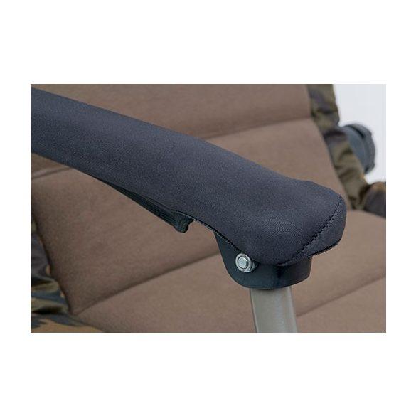 Fox R3 Camo Chair terepmintás karfás fotel